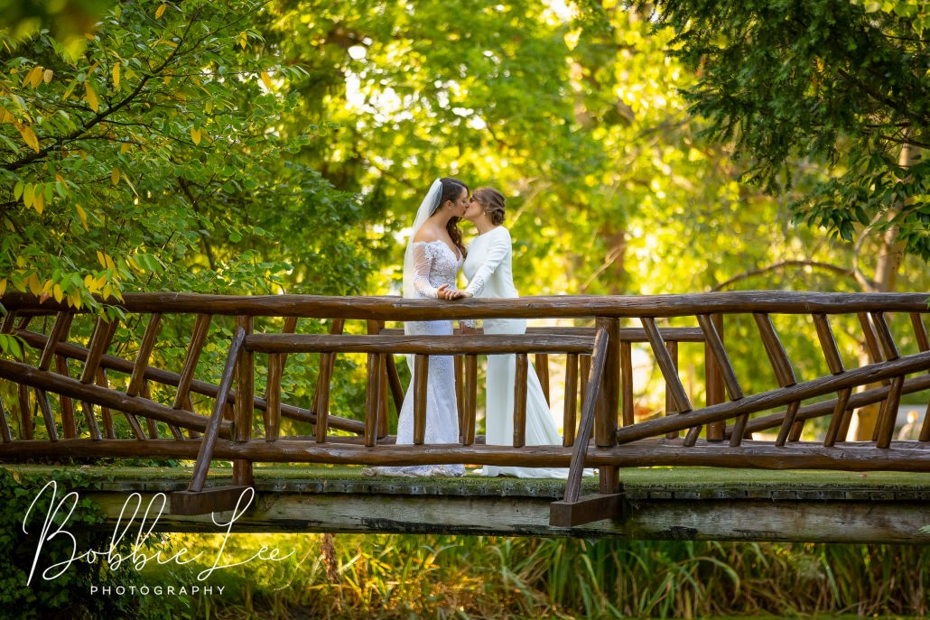 Manor by the Lake wedding photos