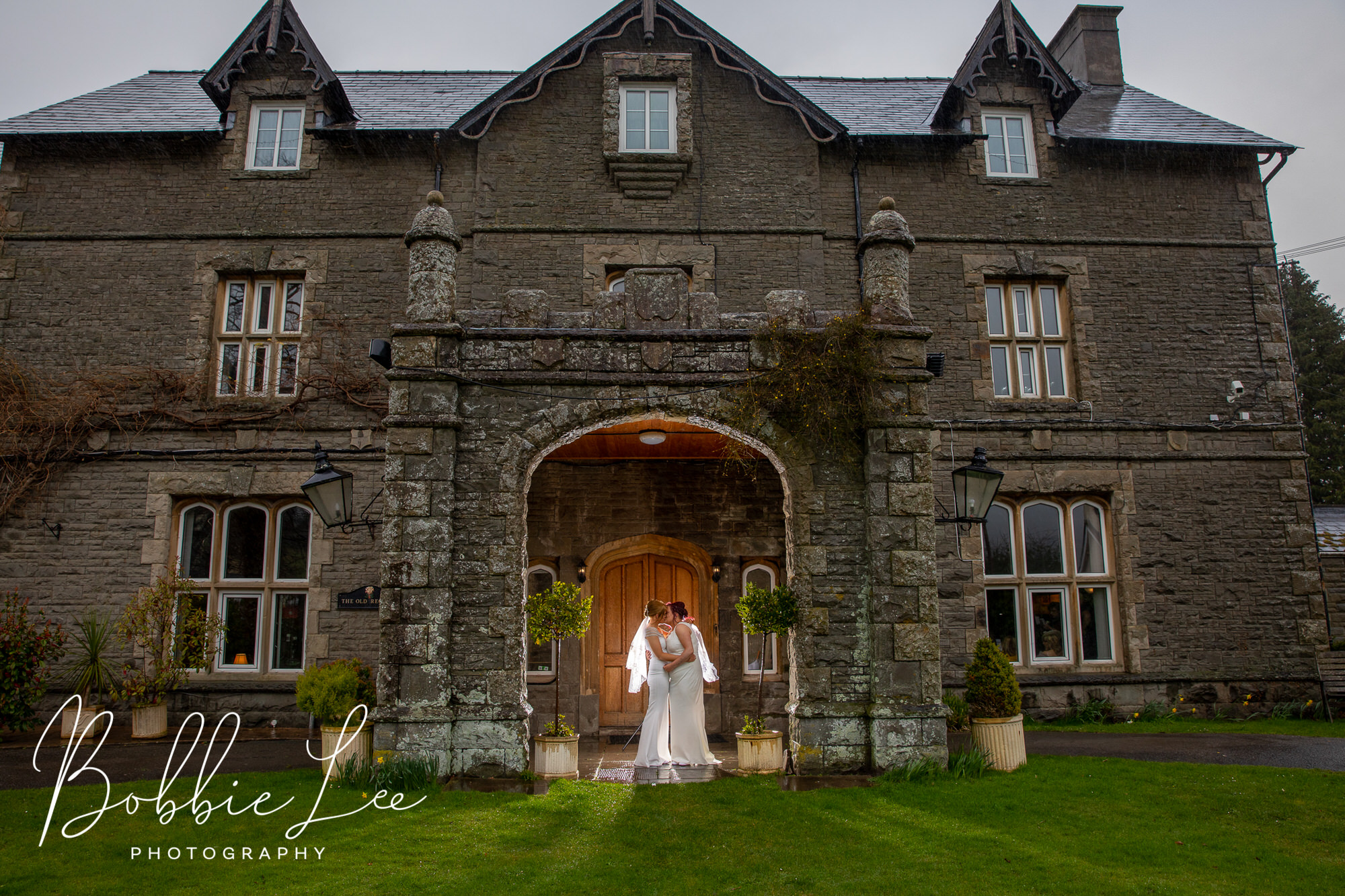 The Old Rectory Crickhowell Wedding Photos Preview – Christina & Bethan